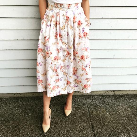 Vintage Dresses & Skirts - Vintage Floral Midi Button Front Full Skirt